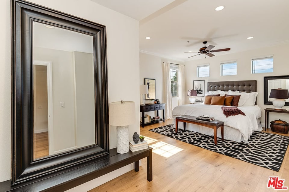 12407 Moorpark St, #203 preview