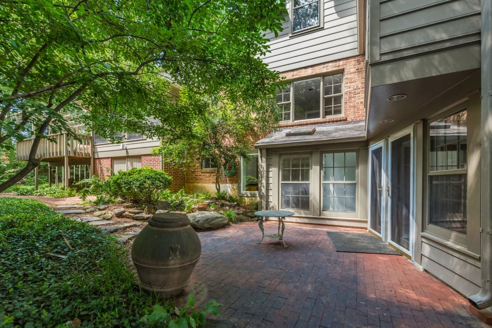 5620 Wood Way preview
