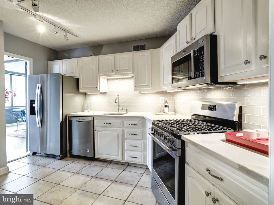 5225 Pooks Hill Road #1501 N preview