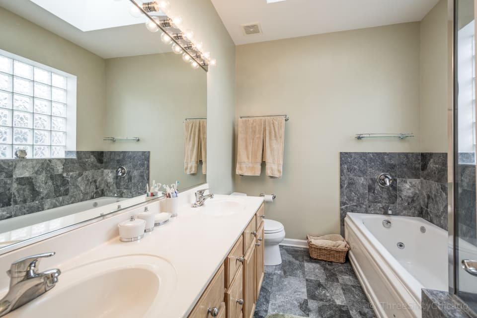 3924 N Southport Ave, #4S preview