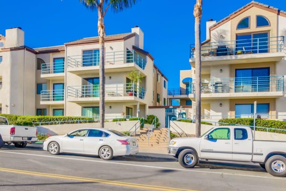 2050 Pacific Beach Drive, Unit 105