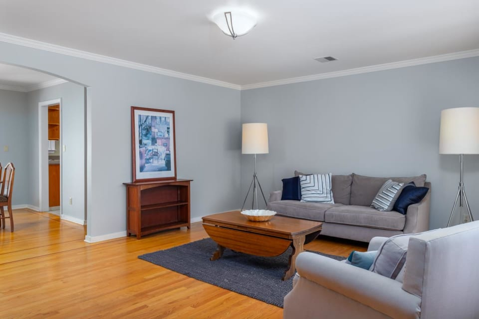 1532 Belmont Ave preview
