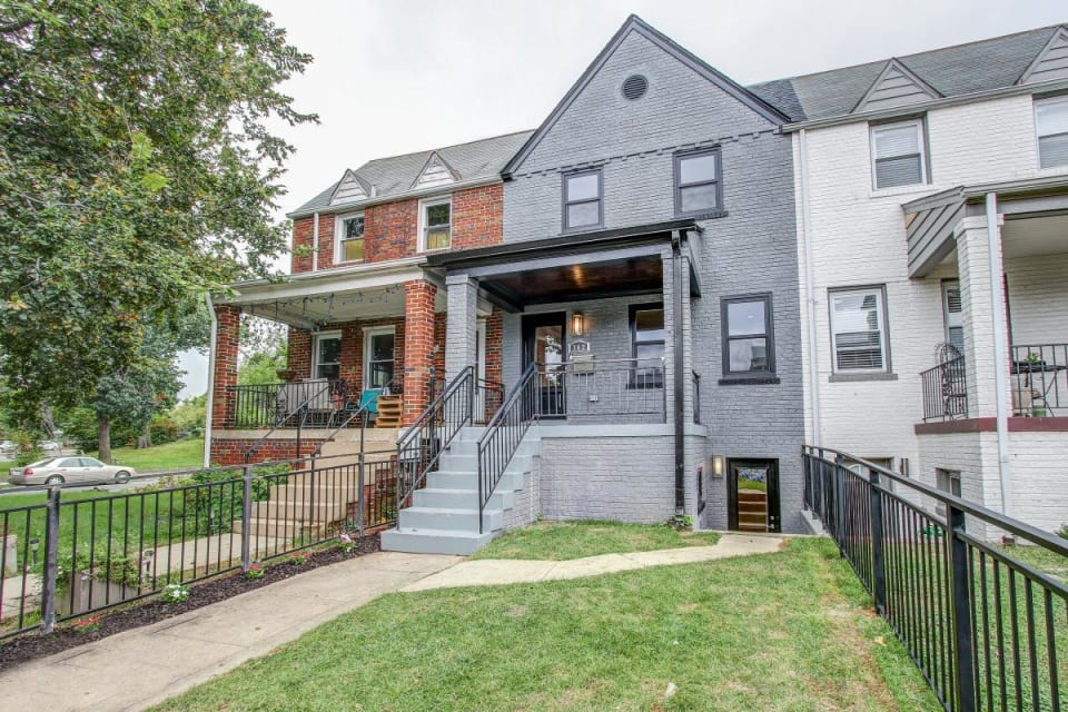 302 16th Street Northeast preview