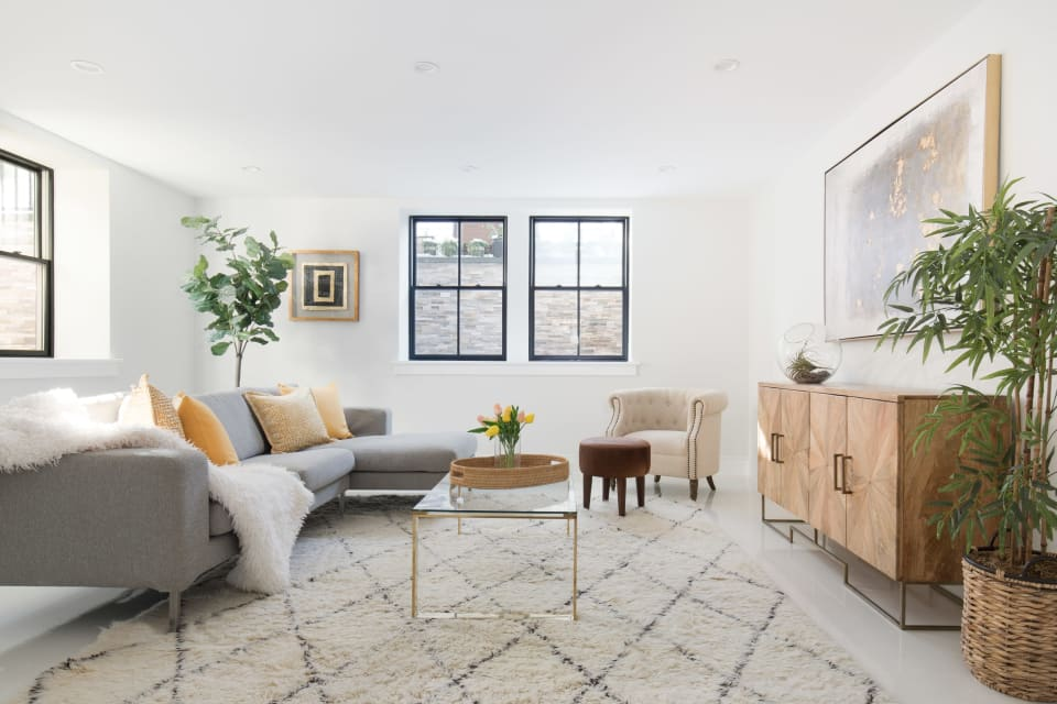 112 Holworthy St preview