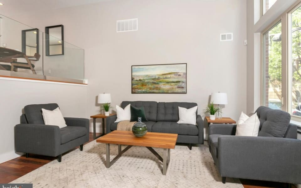 1704 Folsom St preview