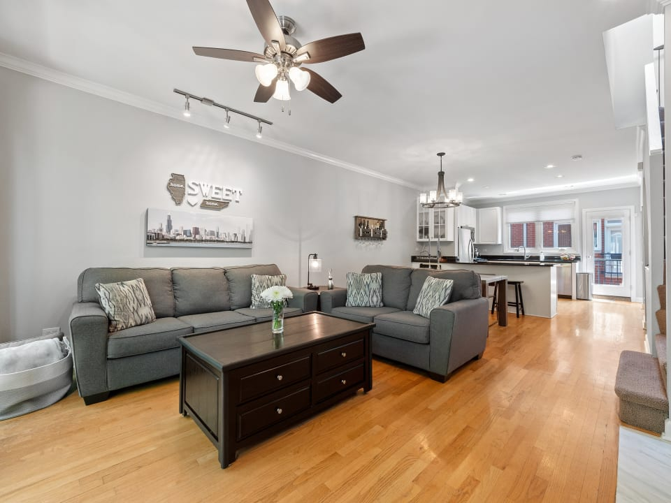 2807 N Wolcott Ave, #E preview