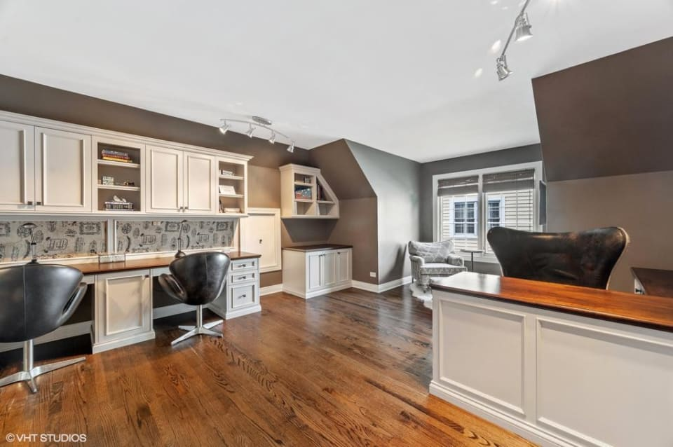 2675 Independence Avenue preview