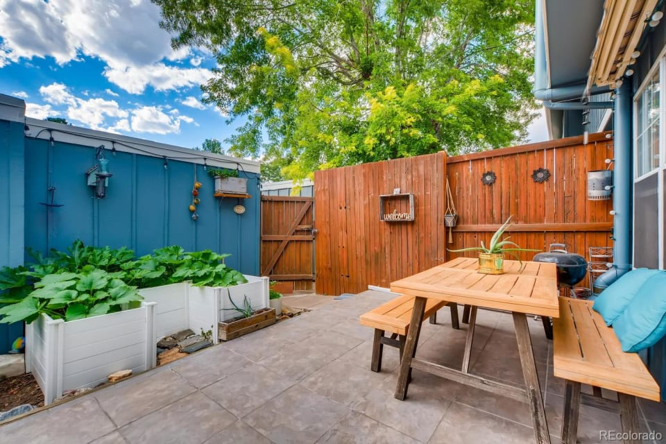 Fantastic Value Near Highline and Cherry Creek Trl preview