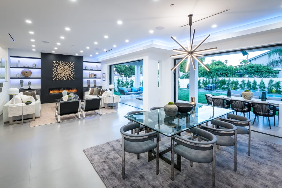 Stunning Modern Smart Home in Sherman Oaks preview
