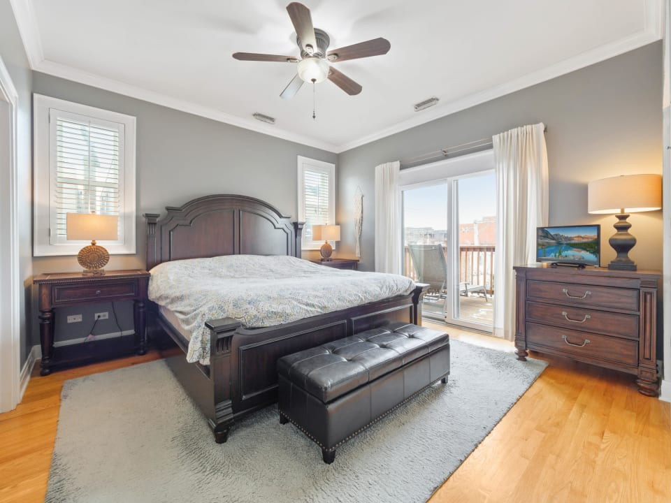 1618 N Oakley Ave, #3S preview