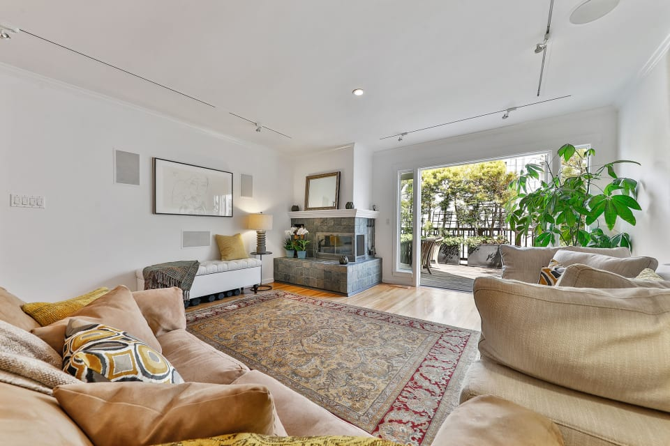 1230 Clay Street preview