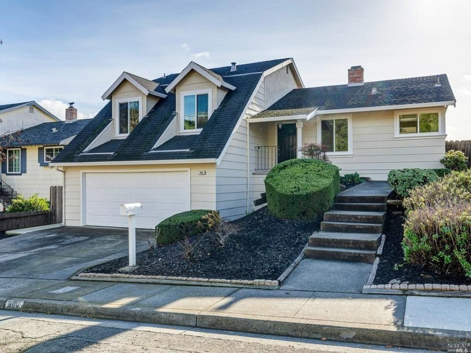 380 Raymond Dr preview