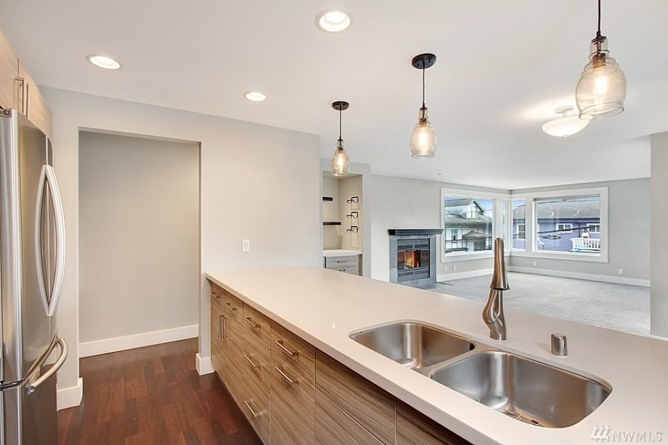 1512 California Ave SW, #201 preview