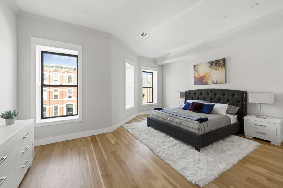 586 Quincy Street preview
