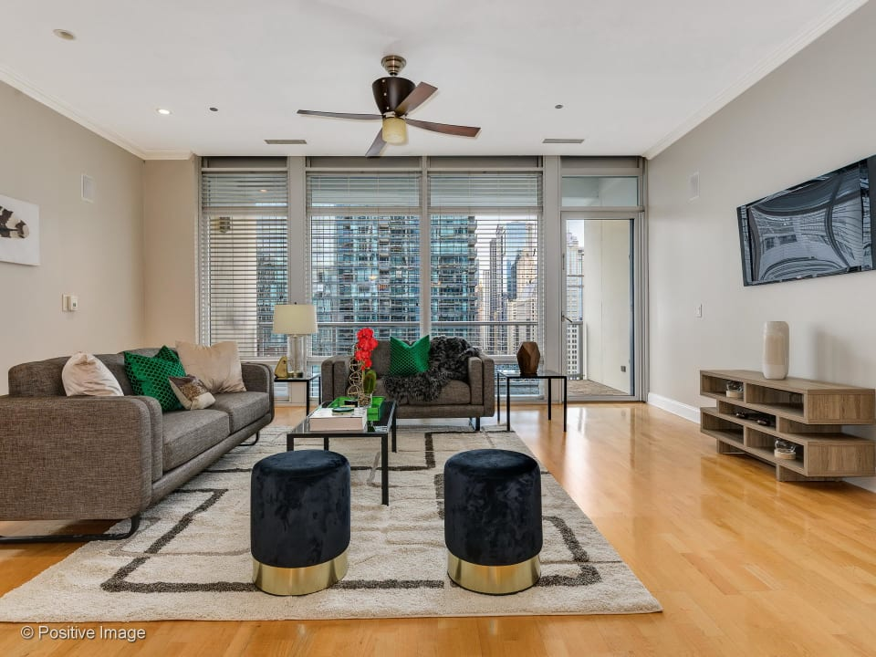 333 North Canal Street, Unit 2003 preview