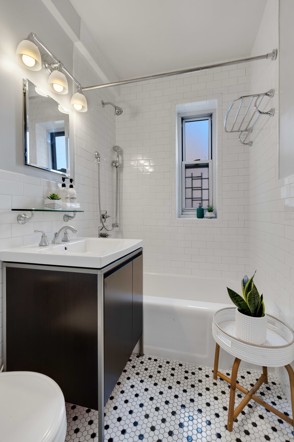 550 Grand St, Unit G10B preview