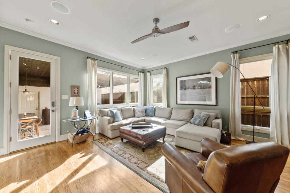 Beautiful Townhome off Camp Bowie preview