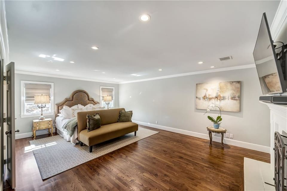 2716 Colonial Pkwy preview
