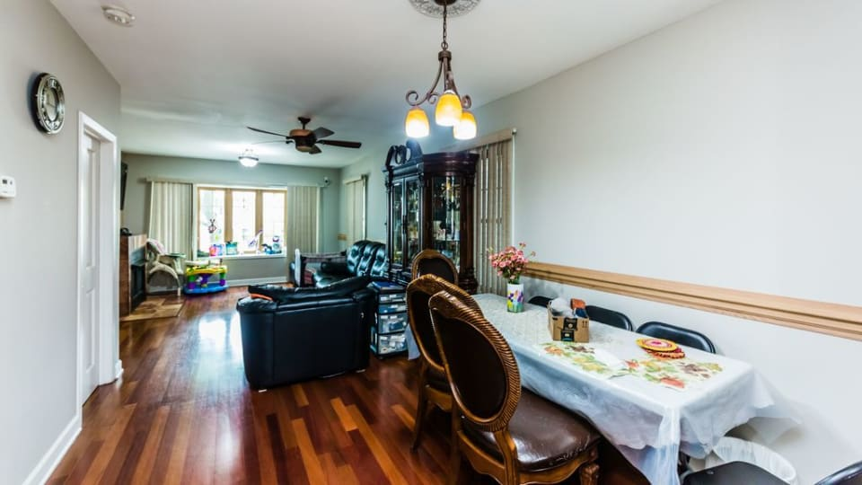 4632 N Harding Ave preview