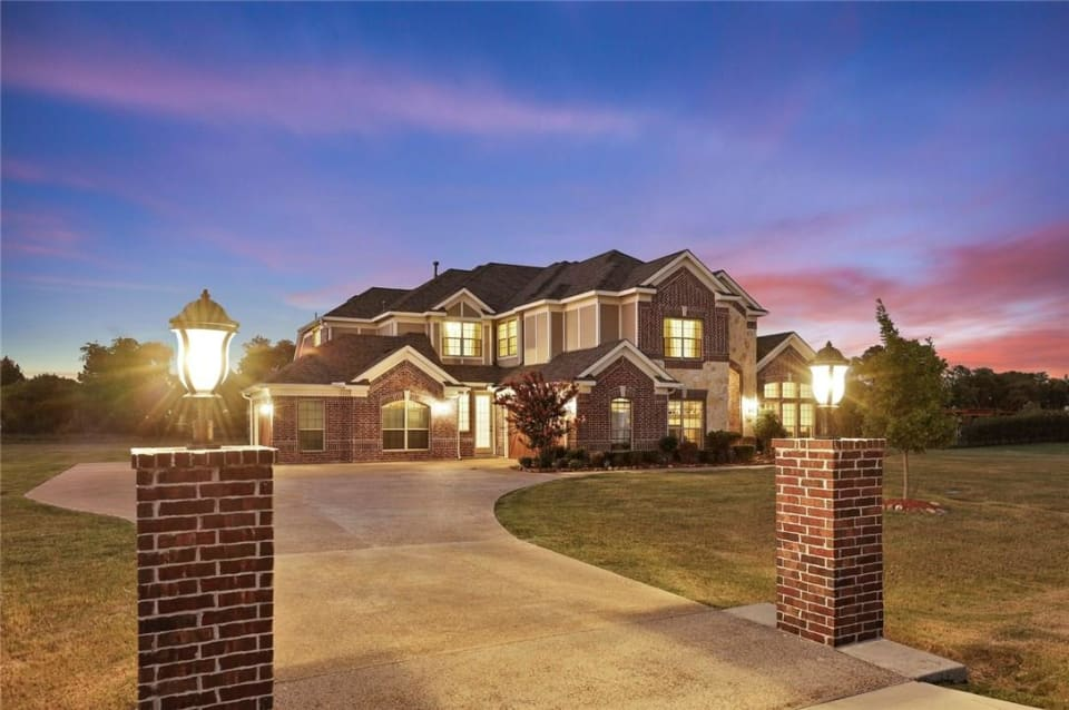 7405 Forest Bend Dr preview