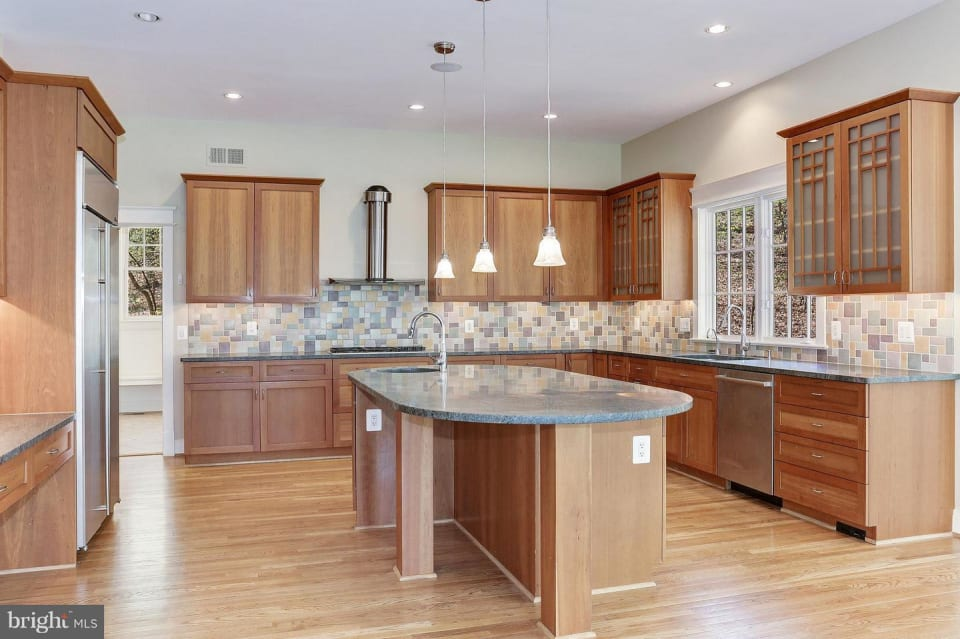 8610 Fernwood Road preview
