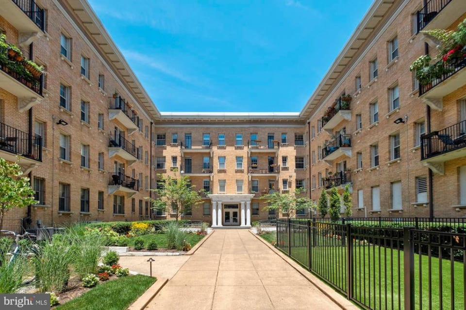 1401 Columbia NW Road, #213 preview