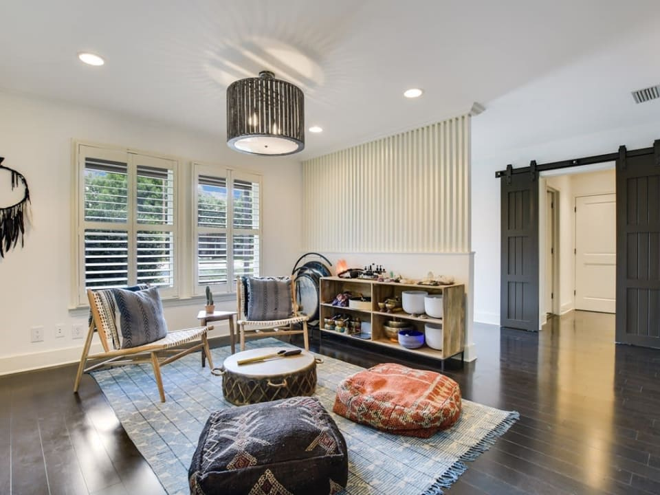 2407 Westover Rd preview