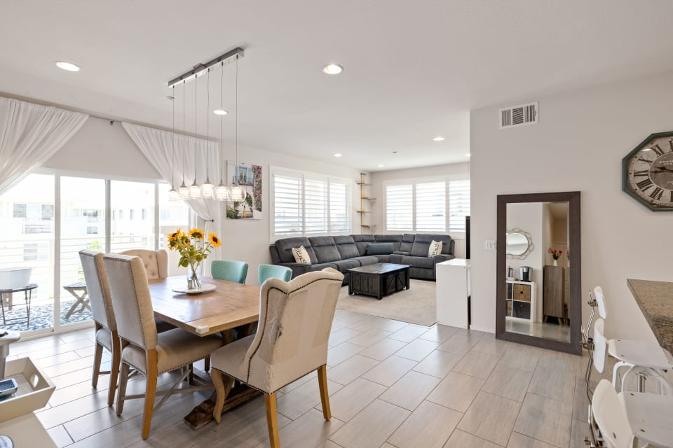 13022 Central Ave #404 - LEASED preview