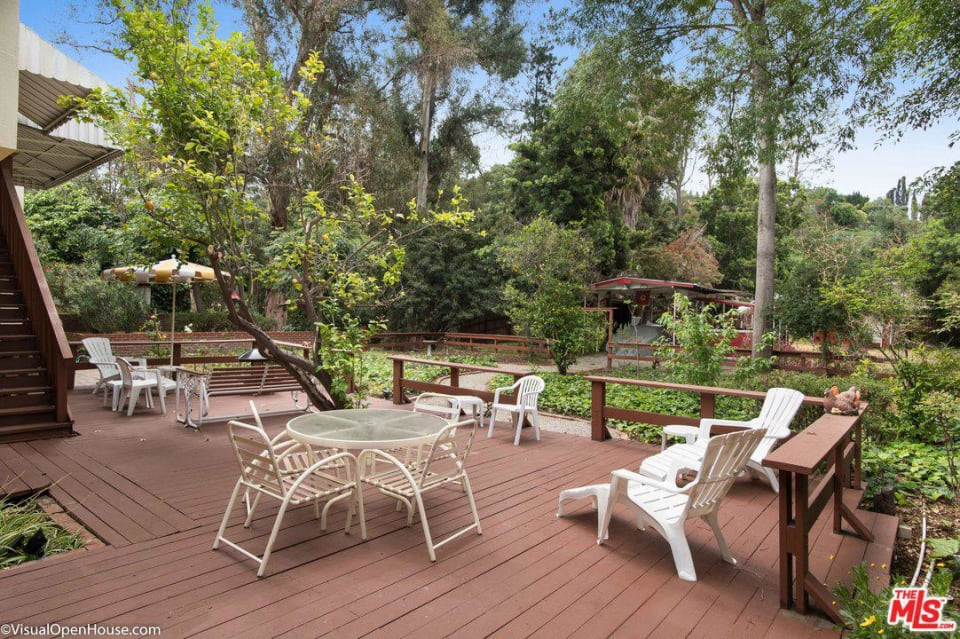 Charming 2 Bedroom Cottage in Studio City preview