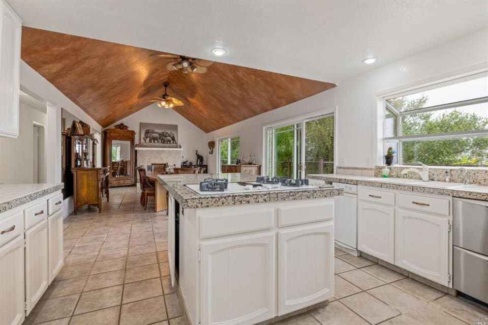 5412 Sonoma Mtn Rd preview