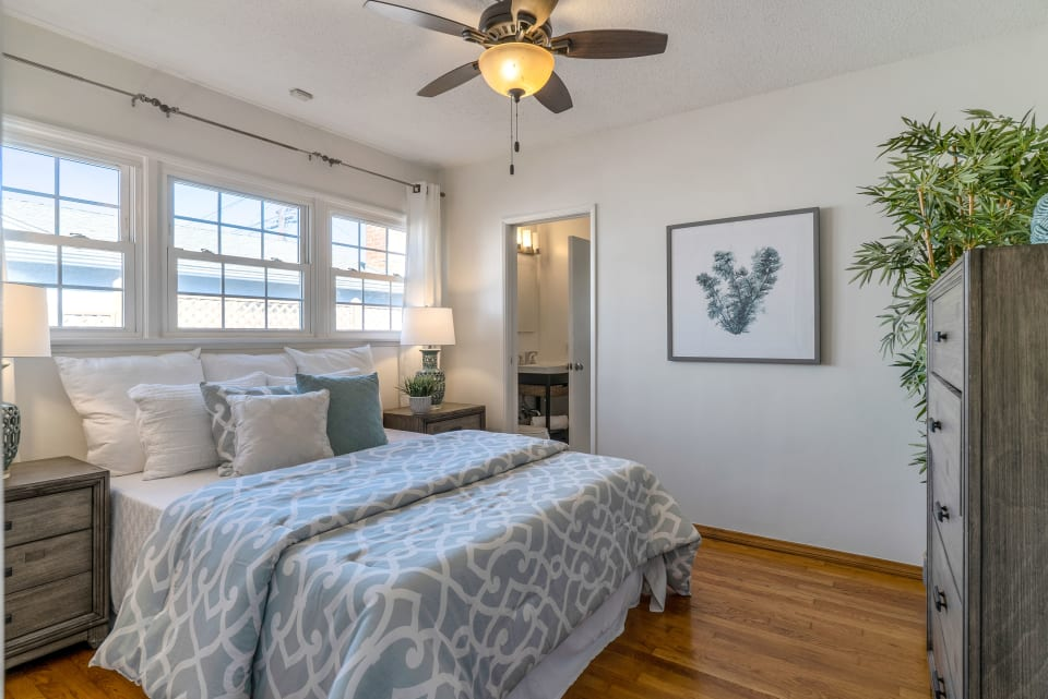 5447 W 142nd Pl preview