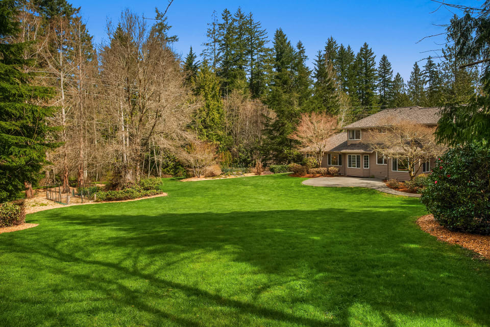 Woodinville, WA - Lake of the Woods preview