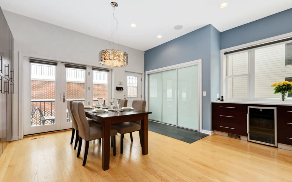 539 North Artesian Avenue preview