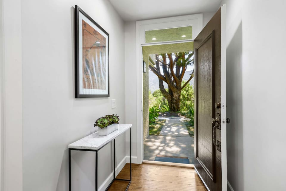 1710 Palisades Drive preview