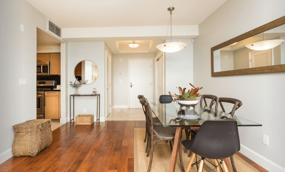 1751 Appian Way Unit 303 preview