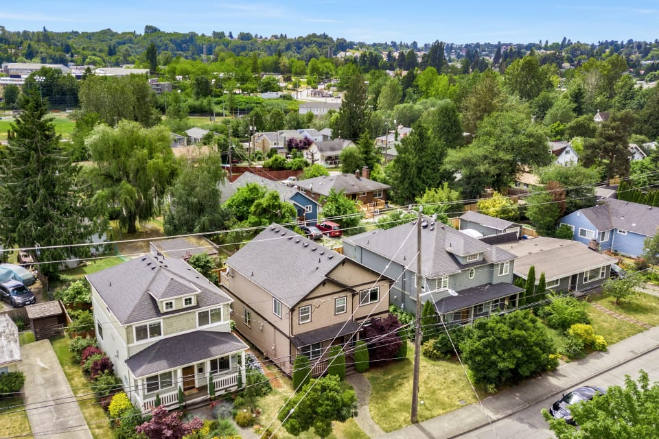 8459 Seward Park Ave S, Seattle 98118 preview