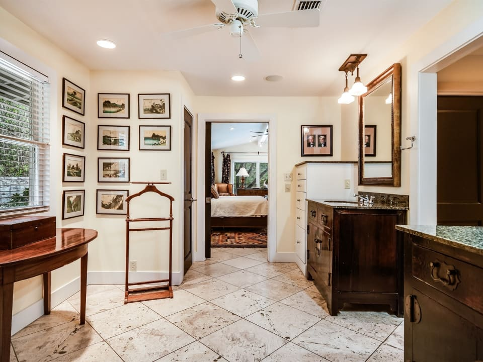 3901 Balcones Drive preview