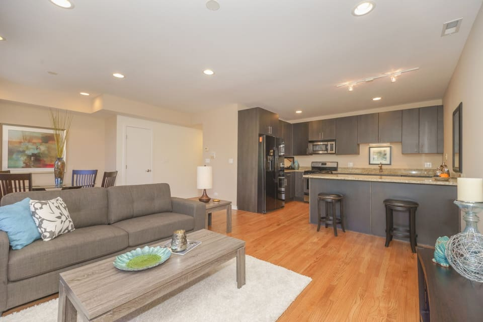 1735 W Division St, #302 preview
