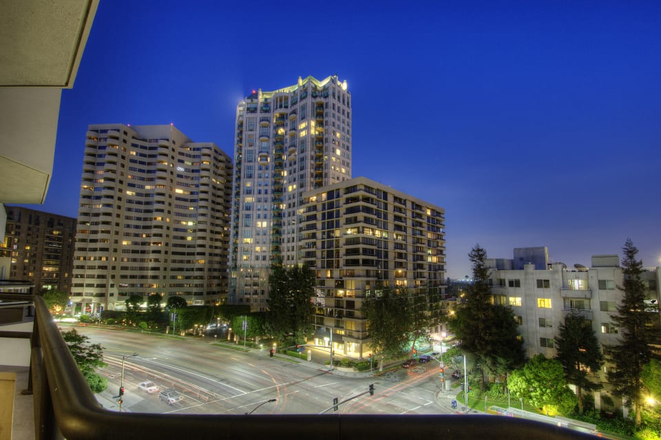 Lease in The Wilshire House