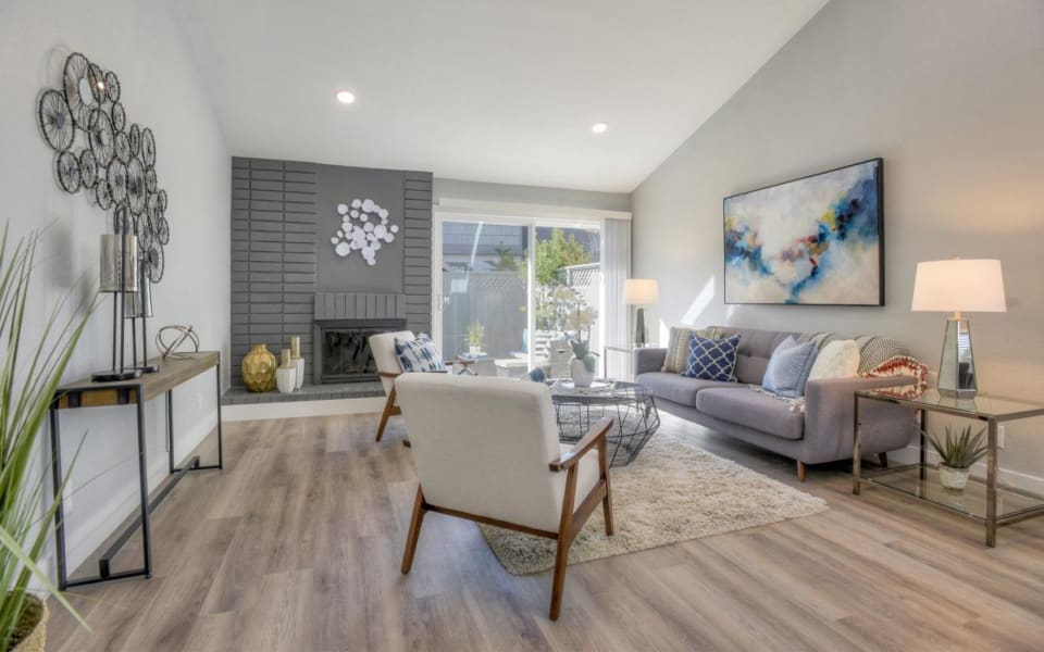892 Cabot Ln preview