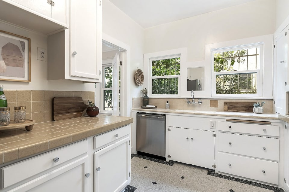 120 S Sycamore Ave, Unit 120 preview