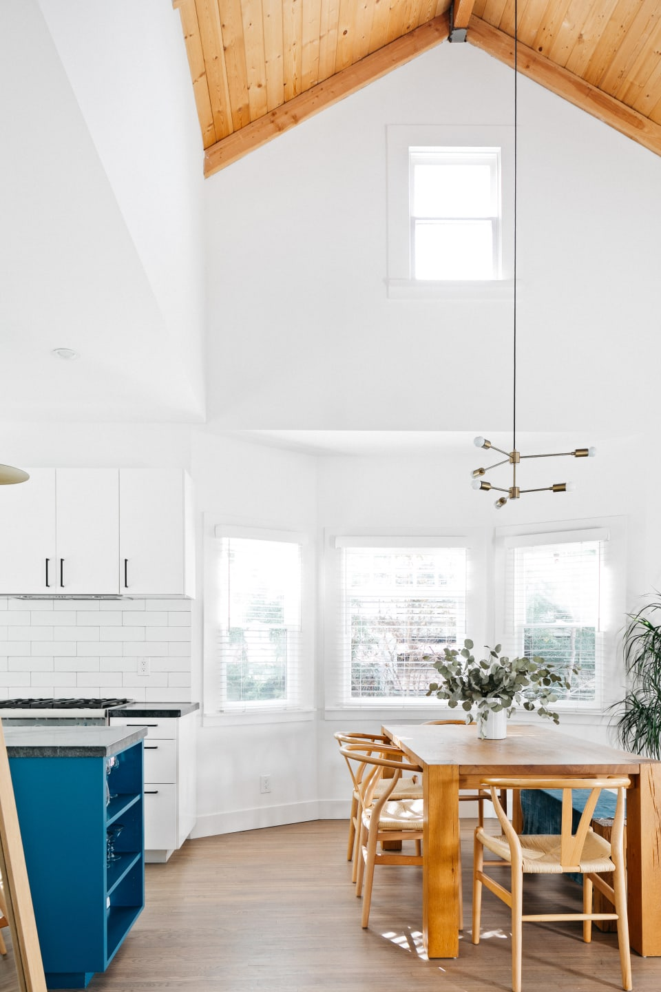 1016 Hyperion Ave preview