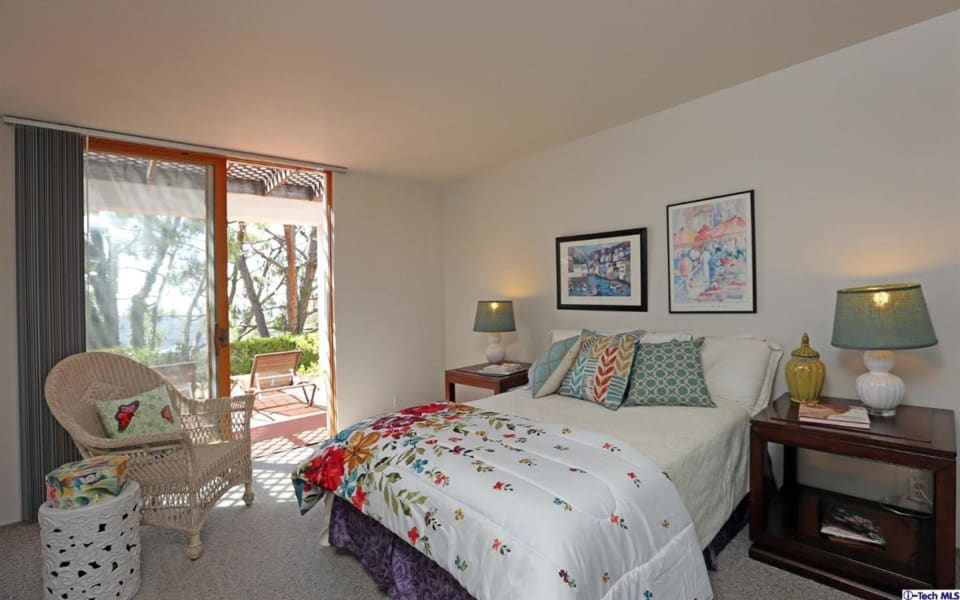 977 Holly Vista Drive preview