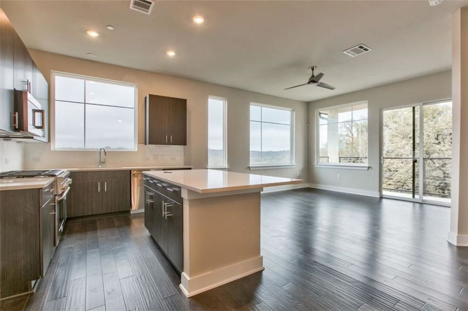 1306 West Ave, #305 preview