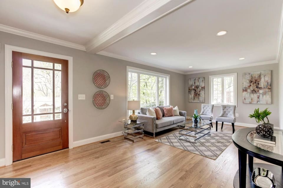 10129 Crestwood Rd preview