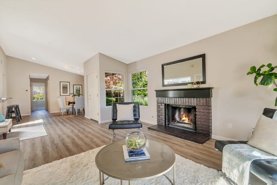 237 Puddingstone Rd preview