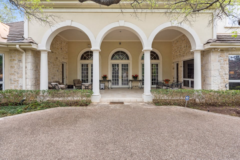Stately Traditional Home in Barton Creek Woods I preview