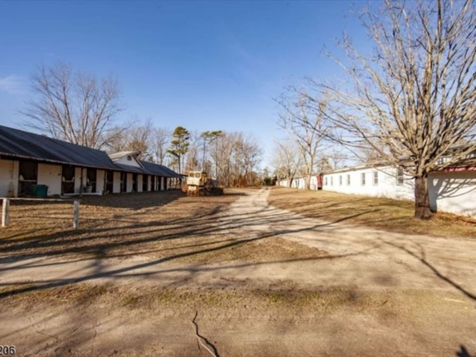 667 Estell Manor Rd preview