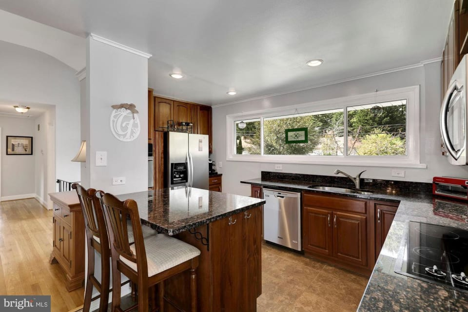 6016 Rossmore Drive preview