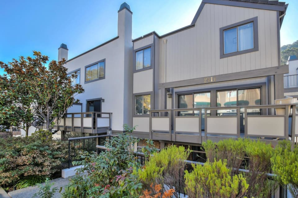 2411 Carlmont Dr, #103 preview